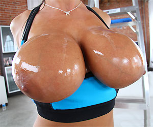 Boobs look good oiled up